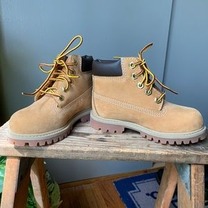 US 8 Toddler Timberland Boots
